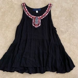 Black tunic with tribal embroidering - Small